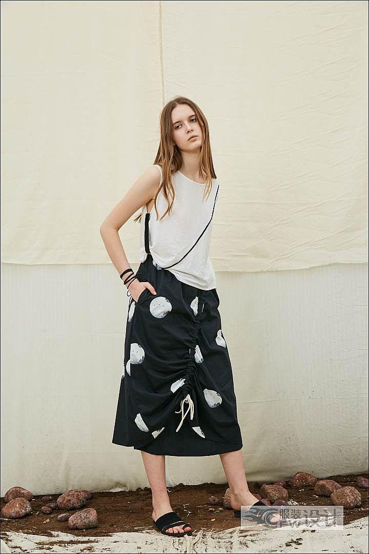 波点印花抽绳半身裙作品-波点印花抽绳半身裙款式图