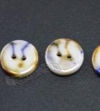 两眼圆形彩纹设计陶瓷衬衫扣 大方简洁