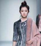 新中式毡毛绣花羊毛针织连衣裙