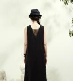 蕾丝插片无袖连衣裙