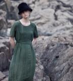 褶皱墨绿色收腰连衣裙