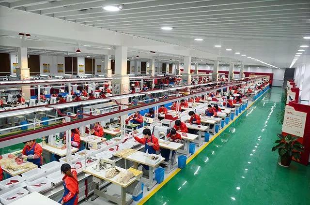 奥康也玩运动鞋?150名工人的产量如今只需要20名工人