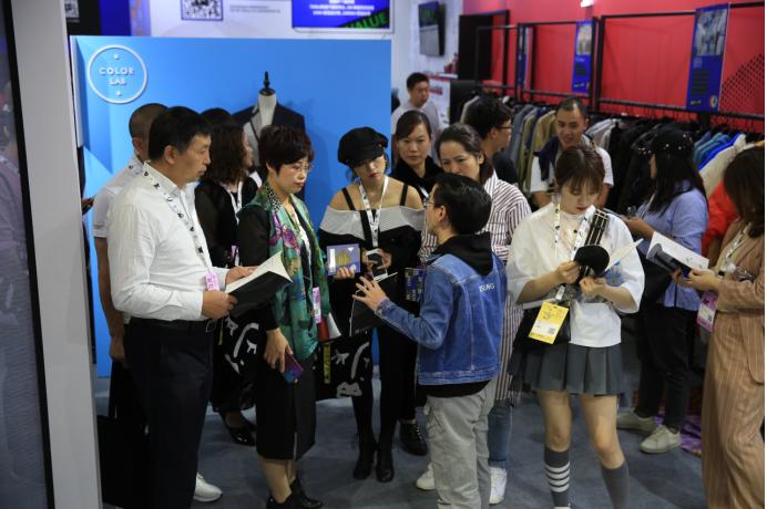 YOSAR云尚星携原创时尚智能APP—IPX,亮相2019CHIC秋季展 泛商业 6