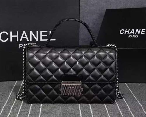 贝恩公司:奢侈品市场萎缩至6年前 中国大陆一枝独秀
