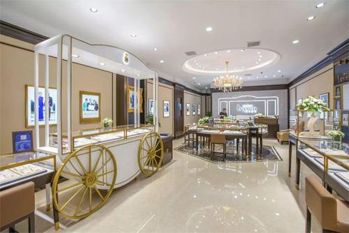 珠宝公司莱绅通灵家族内斗 董事长陷离婚财产分割危机