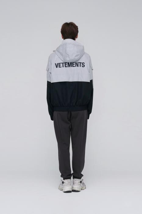 Vetements黑灰拼色冲锋衣