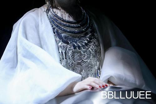 苗岭寻迹——BBLLUUEE粉蓝时尚艺术跨界秀震撼上演(图12)