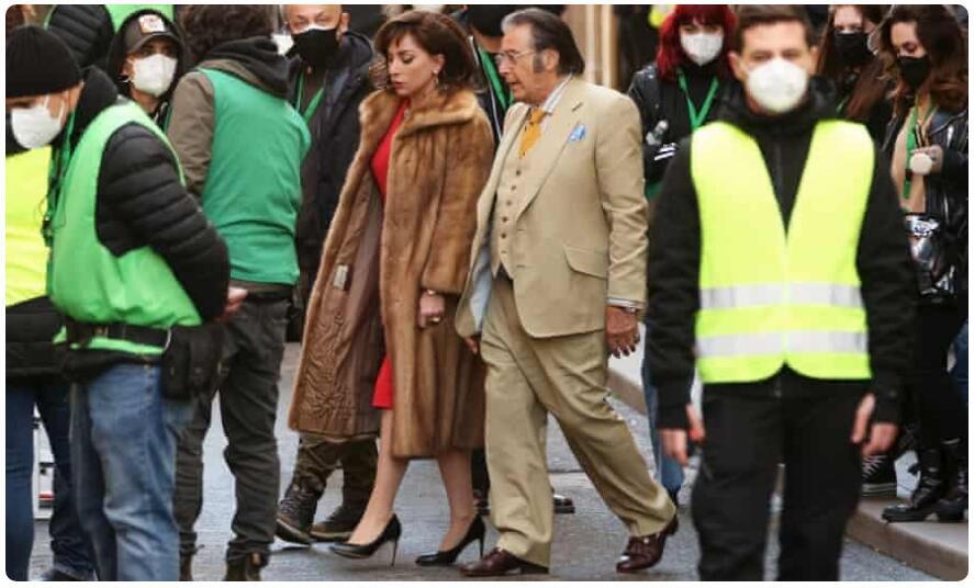 "Gucci 家属品评列传片《House of Gucci》的伶人造型""太丑了"""