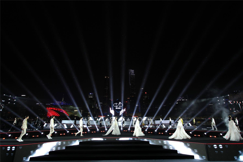 """新创安排师范大学赛(NCDC)正式揭幕,辛选创办人辛有志加入""""小蛮腰""""时髦国宴"""