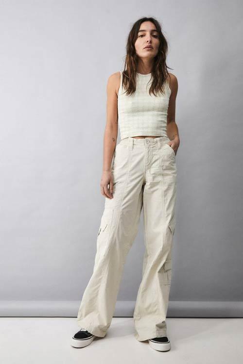 平价的Urban Outfitters服装也能带领时尚
