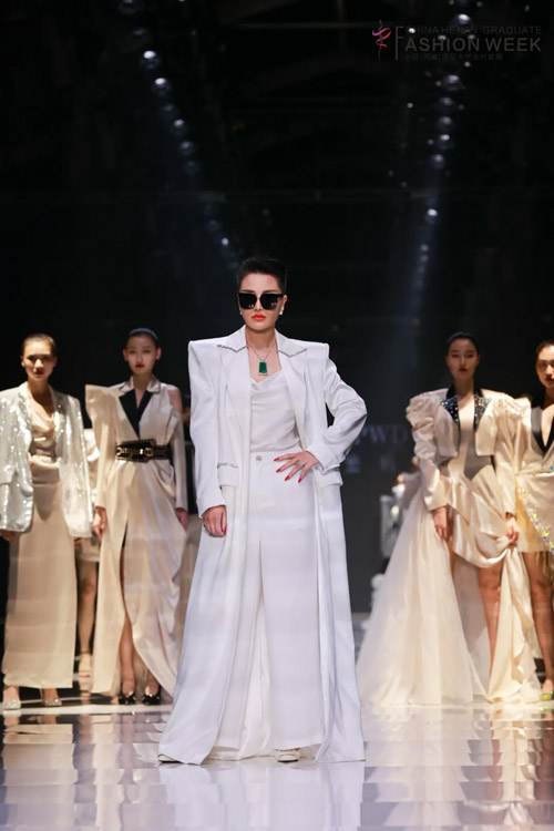 2021时尚深圳 罗拉密码 即是时尚女王 也是慈善大使