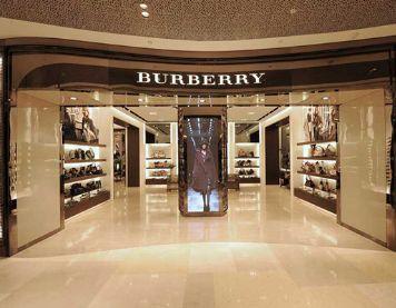"Burberry加入""快时尚""行列迎合毫无忠诚度的千禧一代"