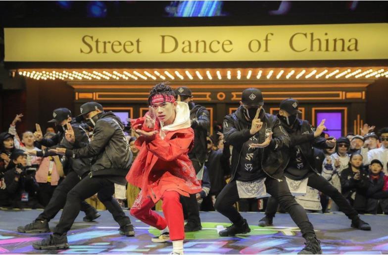 """当Burberry开始""""跳街舞"""",综艺营销没有不可能"""