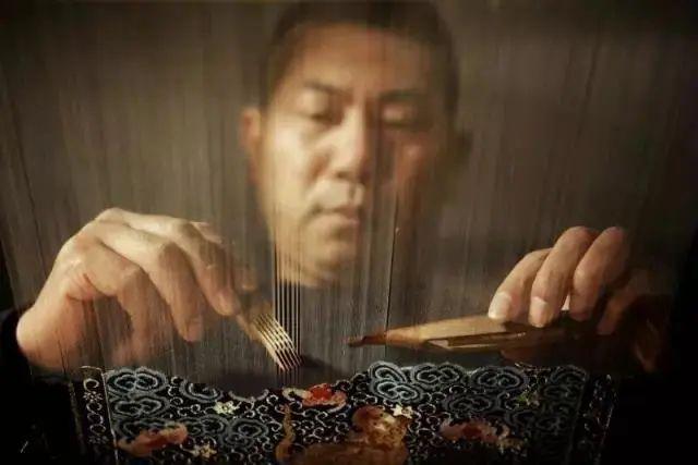 丝绸苏州2020 | 缂丝传承人王建江:一心只在经纬间